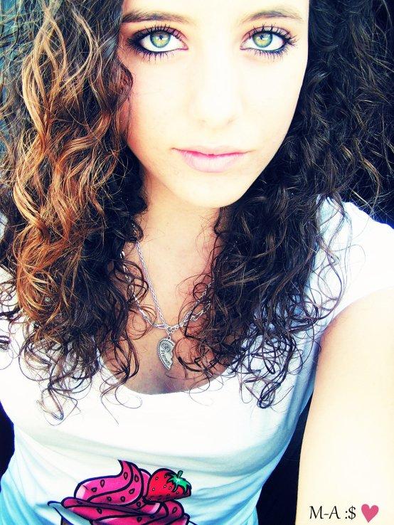 Je veux être la fille qui te trouble, qui te plonge dans le doute. (l)