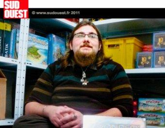 Laurent, gérant d'une boutique en ligne de jeux de société