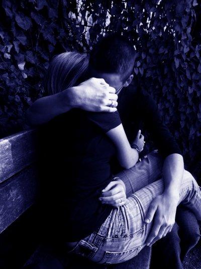 """""""Dans la joie comme dans la peine. Dans la richesse et dans la pauvreté. Pour le meilleur et pour le pire. Je promets de t'aimer et de te chérir. Et je promets que... je ne laisserai rien ni personne nous séparer. Je fais cette promesse pour l'éternité. Je me lie à toi pour toujours jusqu'à la fin des temps. Et je resterai à tes côtés jusqu'à ce que la mort nous sépare."""""""