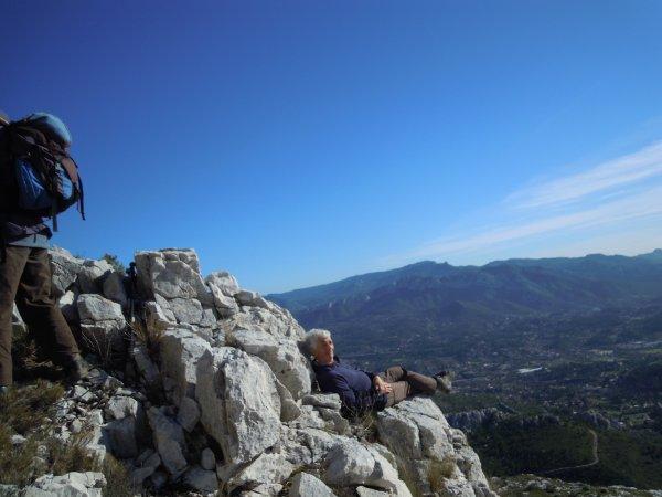 Dans le mont des Marseillais sous un beau soleil    Sylvaine et Michel