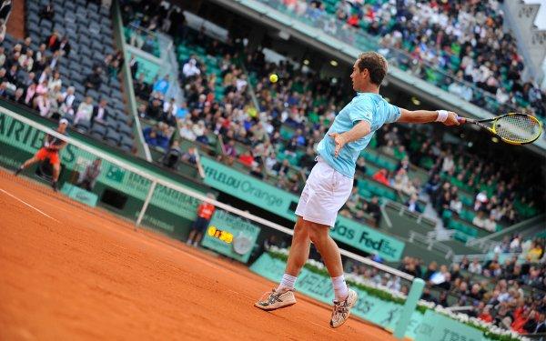Juste avant les ¼ de finale de cet après-midi, il est déjà temps de faire un premier bilan de ce Roland Garros. Comme d'habitude, entre joies et déceptions, entre surprises et désillusions.