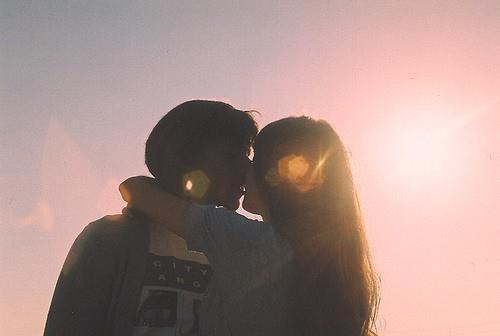 Il y a des chagrins d'amour que le temps n'efface pas et qui laissent aux sourires et au c½ur des cicatrices imparfaites.