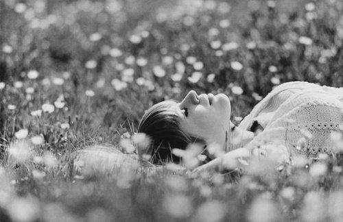 Et demain, personne ne verra rien. J'aurais un grand sourire. Je dirais que je suis fatiguée. Que je ne dors pas très bien.