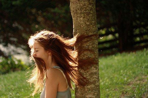Au bout de combien de temps oublie-t-on l'odeur de celui qui vous a aimée ? Et quand cesse-t-on d'aimer à son tour ?