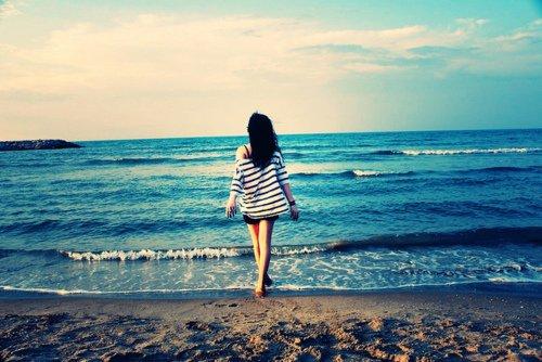 Chaque jour je t'aime davantage, aujourd'hui plus qu'hier et bien moins que demain.