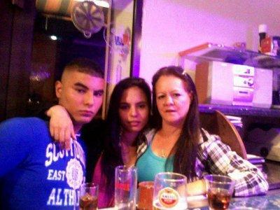 Moi, Ma Mère & Ma Grande Soeur