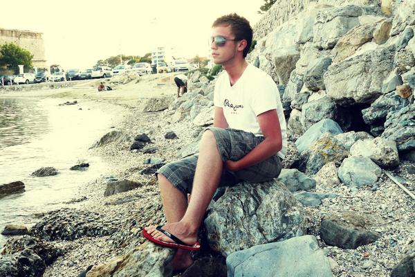 - ALESSIO-OFFICIEL.SKYROCK.COM Ami(e)s -  Favoris -  Page Facebook - Messagerie  -