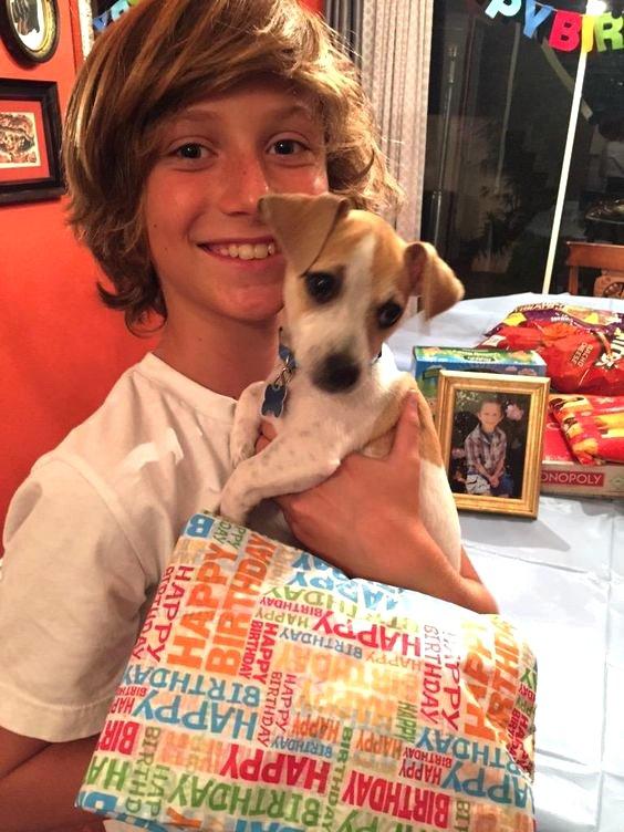 Steele Stebbins et son chien sont inséparable (1/4)