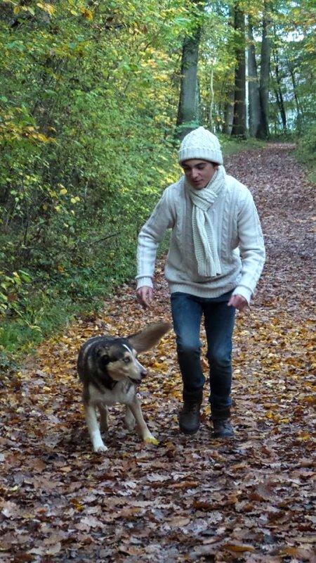 Célestin Chapelain avec son petit dernier chien (2/5)