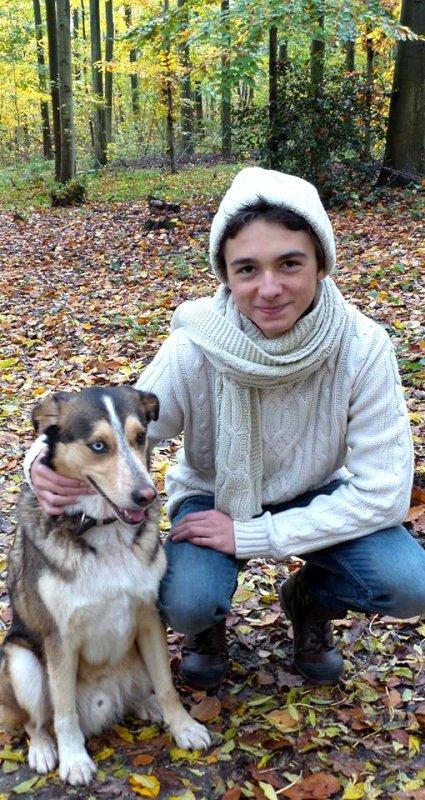 Célestin Chapelain avec son petit dernier chien (5/5)