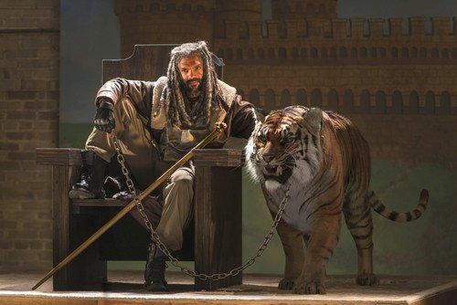 Ezekiel avec son tigre, un beau tiger
