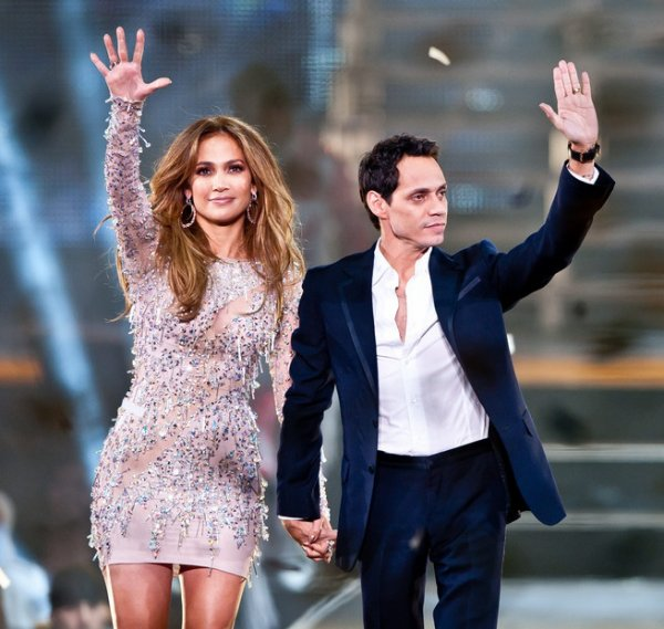 Photos : Jennifer Lopez et Marc Anthony main dans la main sur scène