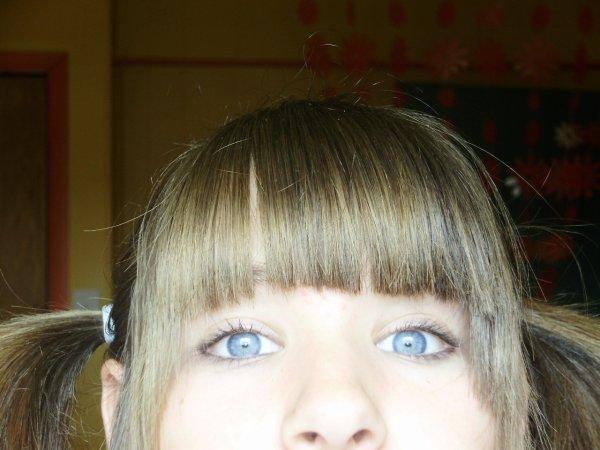 Moii & mes yeus bleues =)
