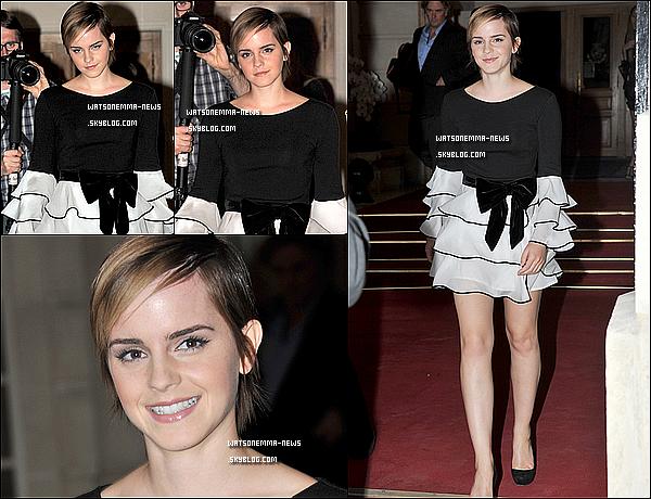 . 09/05/11 : Emma était à Paris pour la promo du parfum de Lancôme pour laquelle elle avait tournée! Je suis mitigée à propos de sa robe, mais globalement elle est très jolie. J'aime bien sa maquillage, qui comme à son habitude est très léger! .