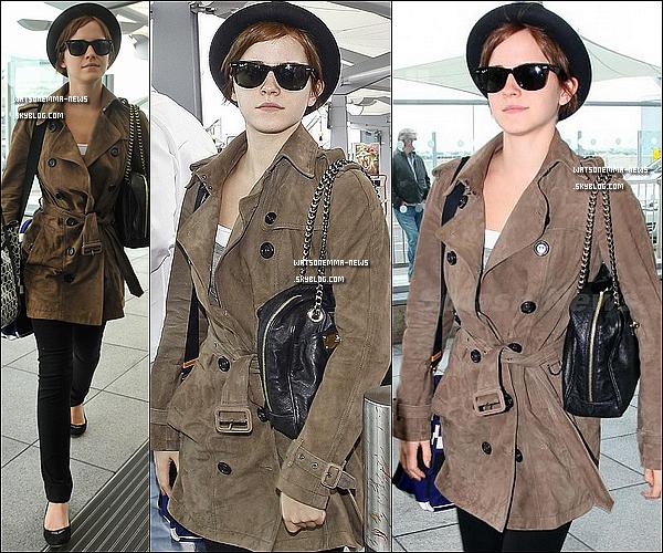 . 08/07/11 : Emma a été aperçue quittant son hôtel à Londres et arrivant à Heathrow Airport pour faire la promotion d'Harry Potter et les reliques de la mort partie 2 aux USA .