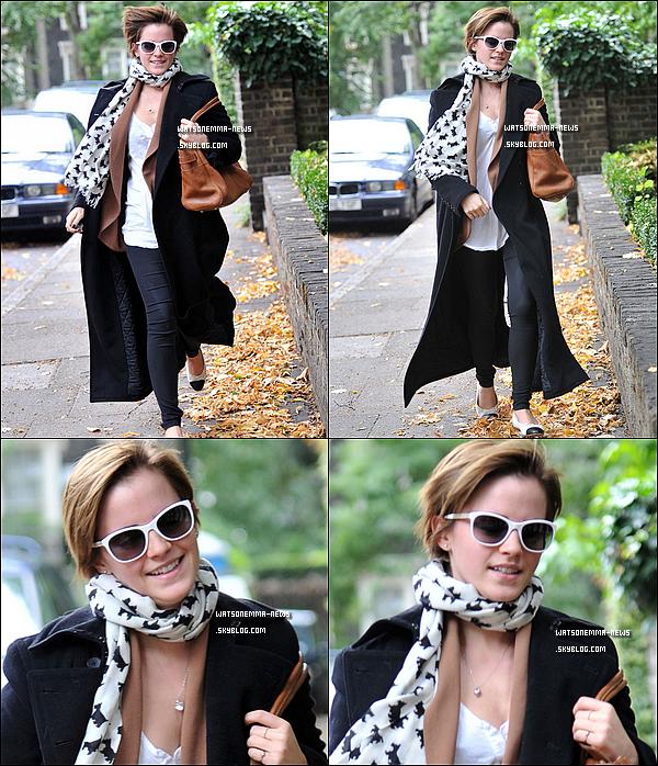 . 06/09/11 : Emma était présente à la cérémonie organisée par le magazine masculin GQ. Elle est splendide...  .