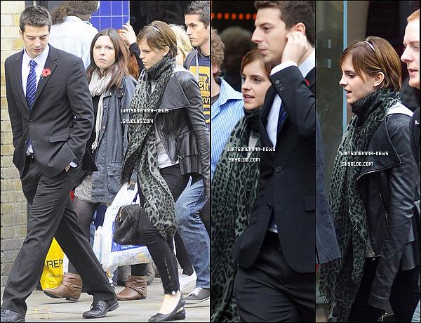 . 07/11/11 : Emma se rendant à une conférence donnée par Johnny Depp à l'Université d'Oxford! Et oui je sais que le 7 novembre ça date, mais il n'y avait aucune photos de sortie. Personnellement, j'aime Emma sans maquillage. .