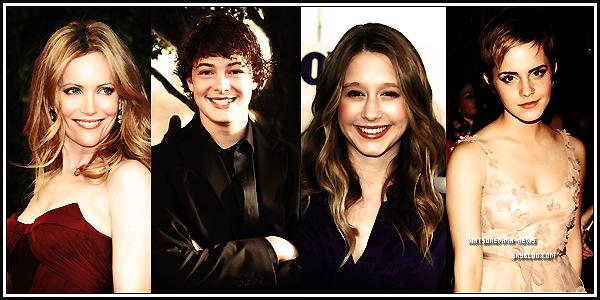 . 08/03/12 : Emma est à Los Angeles pour le tournage d'un film ! Elle a été vue à l'aéroport Heathrow.  Elle tournera bientôt dans un nouveau film, intitulé 'The Bling Ring'. Plus d'informations en dessous! Emma est très souriante! .