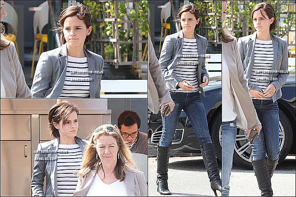 . 15/03/12 : Emma a été vue à Beverly Hills quittant le Lemonade Restaurant avec son agent!J'aime sa tenue, c'est simple mais joli. Elle s'est teint les cheveux en bruns pour les besoins de 'The Bling Ring' ! .