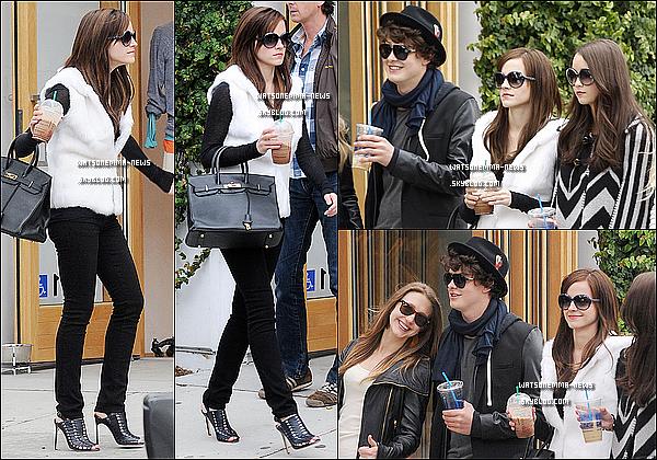 . 11/04/12 : Emma était sur le set de 'The Bling Ring', tournant sans doute une scène avec des amis! Elle portait d'ailleurs un manteau en fourrure (Fausse?), ainsi que des chaussures avec de très grands talons. En tous cas elle est magnifique! .
