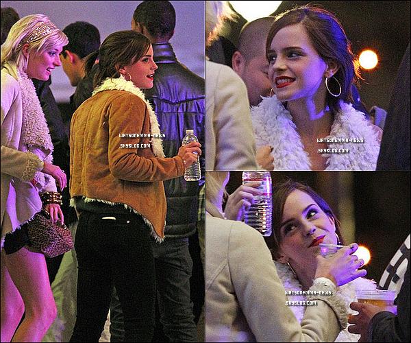 """. 15/04/12 : Emma à été, le lendemain, vue sortant d'un concert du groupe """"Florence And The Machine""""! Elle était assez joyeuse apparemment! Vous retrouverez également des photos lorsqu'elle était à l'intérieur avec Sophie! ."""