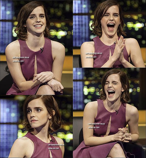 . 28 septembre : Emma était, le lendemain de la première à Londres, au Jonathan Ross Show! J'aime beaucoup sa robe, elle est belle! Emma était vraiment adorable, souriante et très joyeuse! Ça fait plaisir de la voir comme ça! .