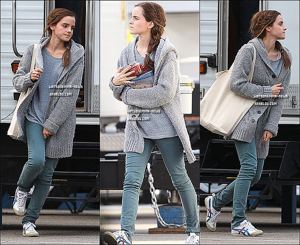 . 17 et 19 octobre : Emma a été vue, à plusieurs reprises, sur le tournage du film 'Noah', à Brooklyn! Comme vous le voyez elle porte une perruque, pour mieux interpréter son personnage! Ca fait du bien d'avoir des photos de tournages!  .