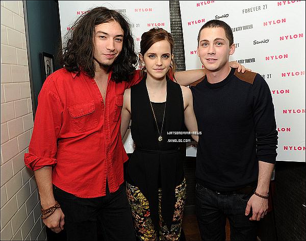 . 20 octobre : Emma était présente à l'évènement organisé par le Magazine Nylon avec Logan & Ezra! Elle était présente à cette soirée car elle fait la couverture du mois d'Octobre avec ses co stars! Elle était magnifique! .