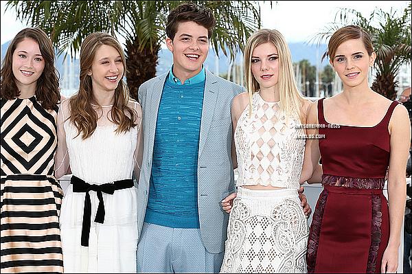 . 14 mai : Emma arrivant à Nice, pour le festival de Cannes! La projection de The Bling Ring sera le 16! Un article arrivera sans doute demain, étant donné que la foulée des marches se déroule ce soir! (Canal + à partir de 19h15)  .