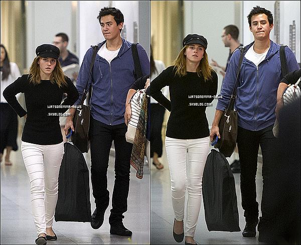 . 24 juin : Emma à été vue en compagnie de Will, son copain, arrivant à l'aéroport de New York! Emma était toute naturelle, et plutôt fatiguée apparemment.. Franchement, je trouve que Will est trop chou! Ils sont bien!  .