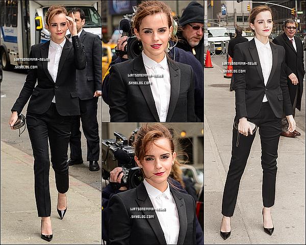 . Le 25 mars : Emma s'est rendue à l'émission Late Show de David Letterman pour promouvoir Noé ! Elle était vêtue d'un tailleur Yves Saint Laurent ! Découvrez ci-dessous la vidéo complète de son interview ! Elle est magnifique !  .