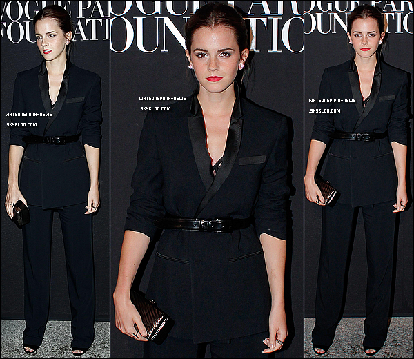 . 09 juillet : Le lendemain, Emma a assisté au défilé de Valentino, dans la capitale française ! Je suis complètement fan de sa tenue ! Malheureusement c'est noir, mais j'aime le style. C'est sexy, c'est osé... Elle est parfaite ! .