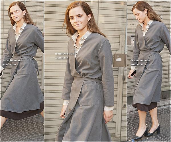 . 17/12 : Emma était encore sur le tournage de Colonia ! Le tournage devrait bientôt se finir. + Emma a été élue féministe de l'année 2014 ! Félicitation à elle, elle le mérite amplement, pour son engagement et sa générosité !  .