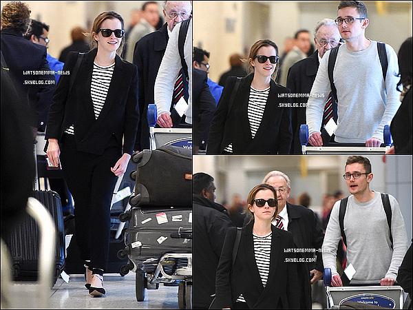 . 20 avril : Emma vue arrivant à l'aéroport JFK (New York) avec son publiciste Luke Windsor ! Elle devrait normalement assister à la soirée organisé par le Time sur les 100 personnes les plus influentes au monde !  .