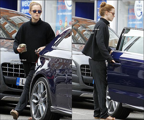 . 16 juillet : Emma  dans les rues de Londres entre deux pauses du tournage de La Belle et la Bête ! Il y a eu des rumeurs comme quoi elle se serait faite enlevée sur le tournage : rumeurs démentis par son agent de presse !  .
