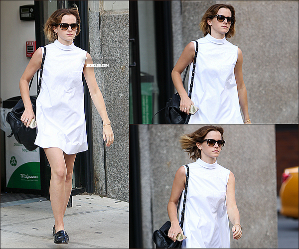 . 23 avril : Emma était avec un ami dans les rues de New York en train de faire du shopping ! Je suis vraiment fan de sa jolie robe blanche et de la longueur de ses cheveux ! Elle est toute jolie je trouve !  .