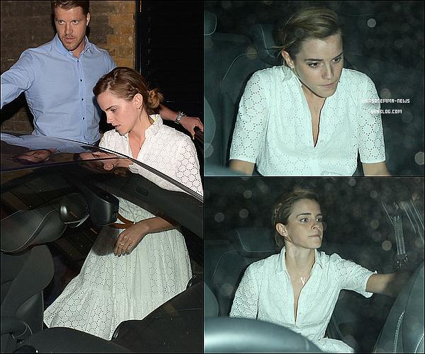 . 9 juin : Emma a été photographiée en sortant d'une soirée au restaurant avec certains de ses amis ! J'aime beaucoup sa jolie robe blanche, c'est un top pour ma part ! Sa coupe de cheveux est toute mignonne, pas vrai ?  .