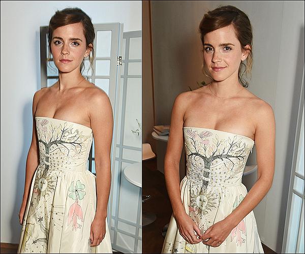 . 13 février : Emma était à la soirée des ELLE Styles Awards ! C'est la troisième fois qu'elle y participe ! Elle a gagné une nouvelle fois le prix de la femme de l'année ! Sinon, sa robe n'est pas mon style, mais ça lui va très bien !   .