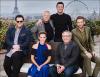.  20 février : Le casting a fait une conférence de presse à Paris, et ont pris une photo ensemble ! Je suis tellement heureuse de les voir tous ensemble. J'ai hâte de voir le film, je suis sûre qu'il sera génial !  .