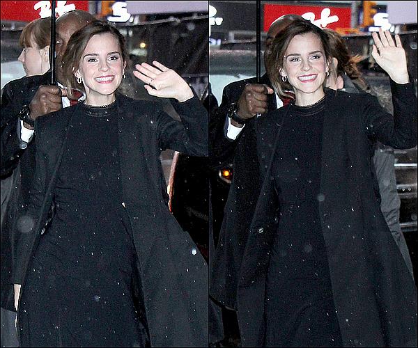 . 07 mars : Emma a été vue à l'aéroport de Los Angeles ! En effet, elle va maintenant commencer à faire la promotion de BATB  à New York ! .