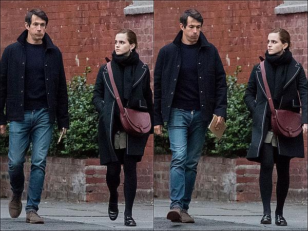 . 25 mai : Emma a été vue marchant dans New York avec son copain William (ou encore Mack) ! Ça fait plaisir d'avoir de nouveau des nouvelles d'elle, surtout avec son petit ami. C'est sympa de la voir aussi heureuse.  .