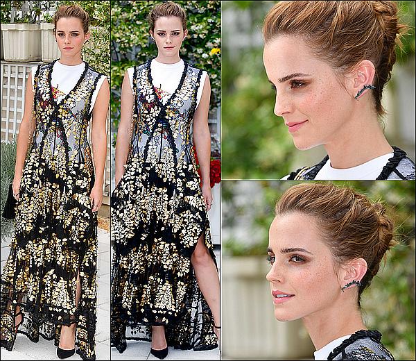 . 22 juin : Emma a participé à un photocall, toujours dans la ville de Paris ! Elle était toute souriante ! .