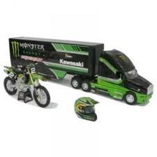 Camion / moto et casque
