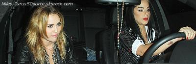 27 Octobre | Miley fête les 27ans de Kelly Osbourne