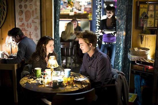 qu est ce que Bella avait elle commandé a manger?