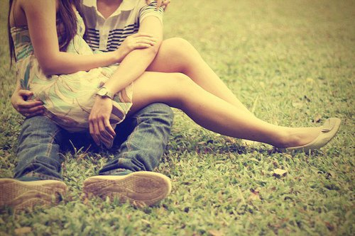 Je veux être l'air que tu respires, je veux être le ciel que tu contemples, Je veux être les lèvres que tu embrasses.