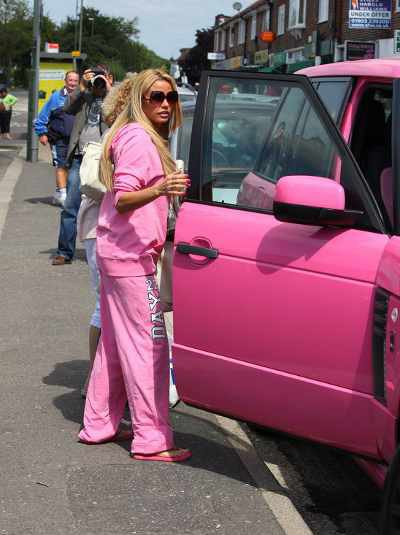 Katie Price loves it pink!!!!
