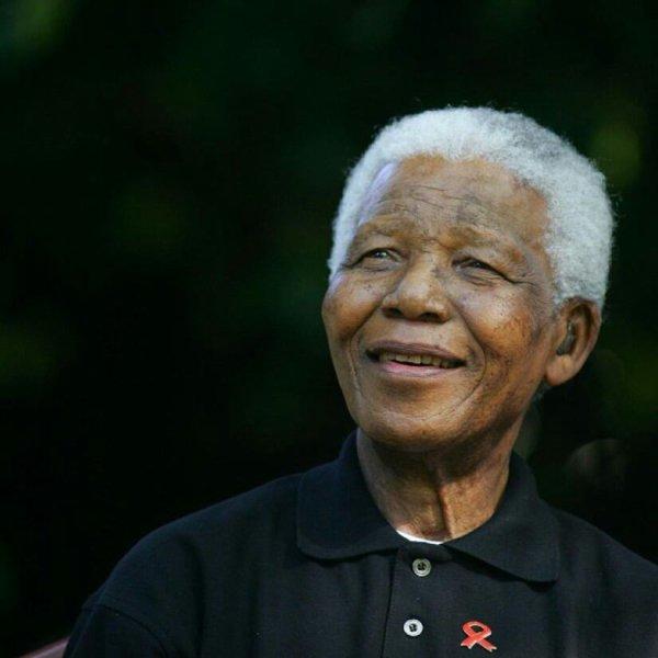 Honneur à un l'homme de toute une Nation, de toute une generation.... Reposez en paix Monsieur Nelson Mendela...