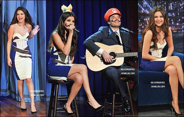 . Le 19 mars 2013 Selena était sur l'exposition de Jimmy Fallon..