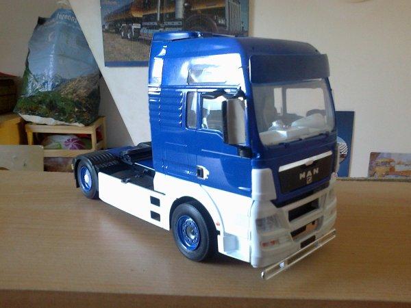 acheté a de amis pour les 4 boites a mr thomas et les 4 camion monté et la remorque a mr kosso merci a eux